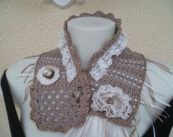 Neck lace and silk