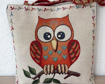 """""""OWL"""" purse and its matching pouch"""