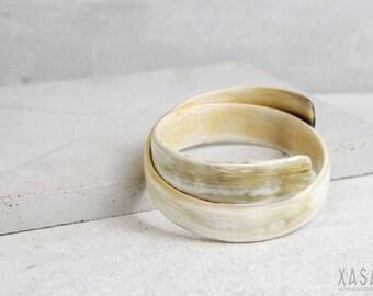 "Wrap look cuff bracelet ""Soft Edge"" 2 color variations"