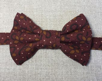 Men's bow tie, burgundy bow tie, cotton printed bow tie.