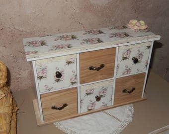 Shabby chic style jewelry chest
