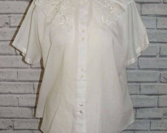 Size 14 vintage 80s short batwing sleeve blouse cutout lace collar white (IC96)