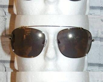 Bundle/joblot 3 pairs assorted 80s/90s vintage style/deadstock sunglasses (SS04)