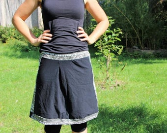 Knee-length skirts black/white with patterns in Gr. 38