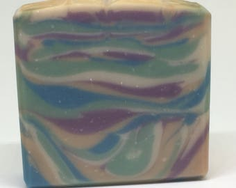 Nag Champa Soap - Incense fragranced - Plant based ingredients - Multi colored - Vegetable based - Vegetarian - Relaxing scent - Unique gift