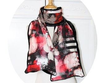 Echarpe rouge et noire en coton et velours polaire,echarpe rouge et noire a rayures,echarpe vegan en coton et polaire noire