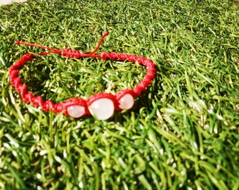 Red macrame bracelet with agate and Rose Quartz