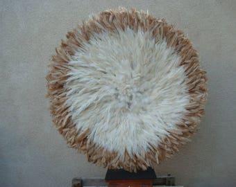 """Authentique 33""""/ Tan et blanc / Bamileke africaine coiffe de plumes / aka / «Qualité supérieure»"""