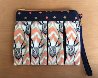 Pleated Wristlet with 10 Card Slots + 3 pockets. Excellent Unique Gift