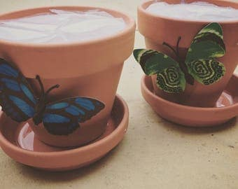 Floral scented pot candle