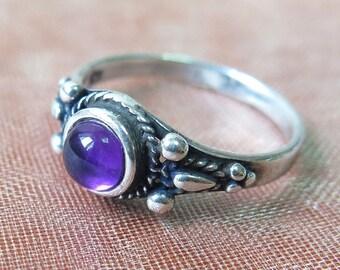 Sale - Amethyst Ring, Silver Amethyst Ring, Amethyst Silver Ring, Sterling Silver Ring, Amethyst Jewelry, Small Amethyst Ring, Purple