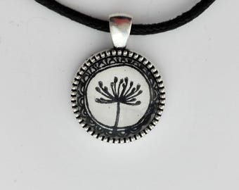 "Necklace ""Steam Flower"" glass cabochon"