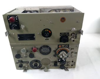 Vintage 1944 Wireless Canadian No. 52 WWII Military Receiver