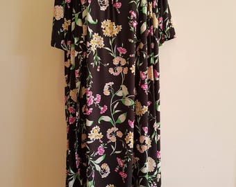 80s 90s / Vintage / Black Floral / Robe & Nightgown / Lounge Wear / Peignoir Set / Size M