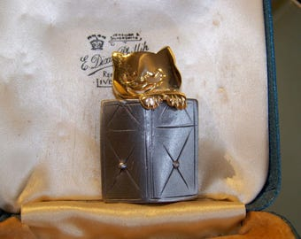 Delightful Signed Kitty Peeping Over Book Brooch