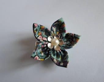 Hair barrette, Alligator Clip, Kanzashi flower