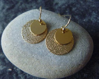 round earrings gold