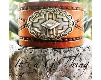 Yuma Concho Brown Leather Cuff