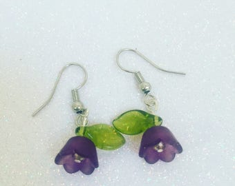 Simple tulip earrings