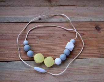 BPA free silicone necklace, teething necklace, nursing necklace, fiddling necklace