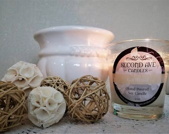 Gardenia Scented 11oz Glass Container Candle
