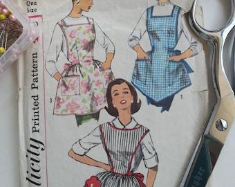 Apron Pattern Vintage Simplicity 3702 1950 Woman Girl Birthday Kitchen Party
