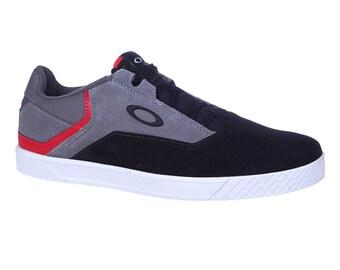 Shoes Oakley Leash Black