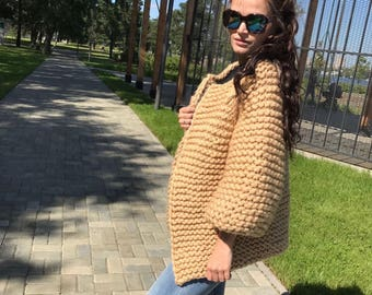 SALE!!!!!!Very stylish and beautiful jacket, s/m, color camel