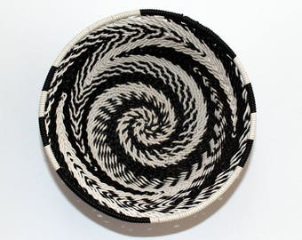 isiZulu telephone wire bowl (Imbenge bowl), black & white, small