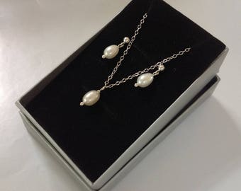 925 Sterling Silver Genuine Freshwater Pearl Necklace & Earrings Set