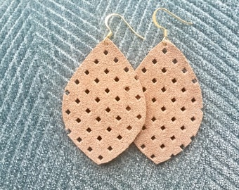 Honeycomb Taupe Leather earrings