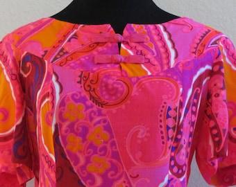 Vintage 1960s Kamehameha Muumuu in Bright Pink and Orange Paisley