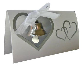 The 30 mark up easel white with silver Bell