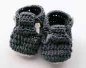 Handmade Baby Booties – Crochet kids shoes – Newborn present - Baby shower gift - unisex kids bootees - gender neutral - winter bright shade