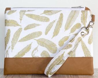 Wristlet purse - zipper clutch - zipper pouch - wristlet - trinket bag - cosmetic bag - faux leather - travel wallet - free shipping