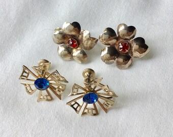 Silver tone vintage screwback earrings with blue and red rhinestones/vintage earrings/summer flower earrings/vintage flower earrings/
