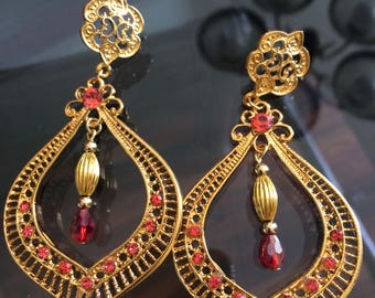 Gold and pink Dangle Earring