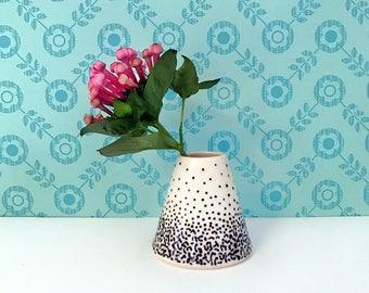 Black Static Texture Bud Vase