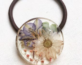 Resin/ hair accessorise / pressed flower/ cute/ ponytail holder/ hair elastic/ Gift for her