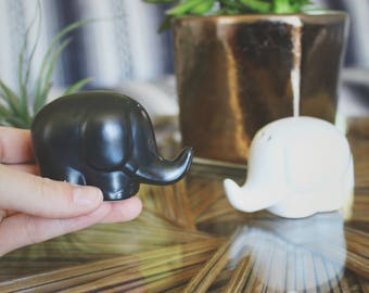 Vintage Elephant Salt And Pepper Shakers Kitchen Decor Boho Decor Elephant Decor Ceramic Salt And Pepper Shakers Gift For Her