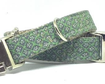 Customized and Adjustable Dog Collar in Gray and Green Pattern