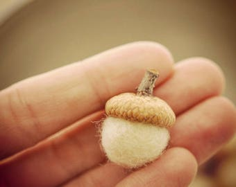 Instant download D.I.Y Instructions -how to make Merino Wool Roving Felted Acorns