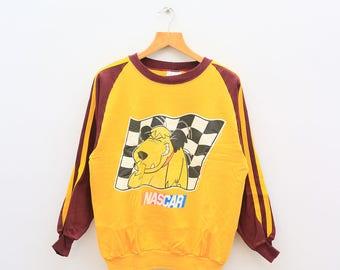 Vintage NASCAR Muttley Crew Wacky Races Fictional Character Yellow Sweater Sweatshirt Size L