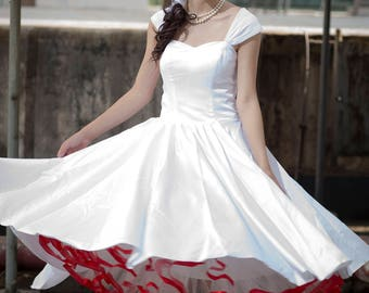 Retro feel lace back wedding dress for custom size and any colors
