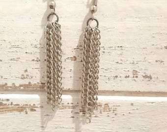 Silver chain hassle earrings