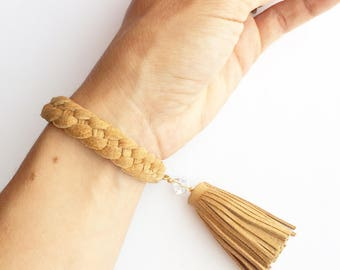 Leather braclet, women leather braclet, beige leather braclet, braided braclet, leather cuff, wrist cuff .