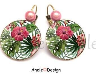 Earrings tropical flowers - pink green glass beads leaf romantic vintage retro