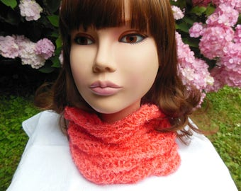 Snood soft coral wool for women