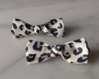 Set of 2 leopard fabric bow barrettes