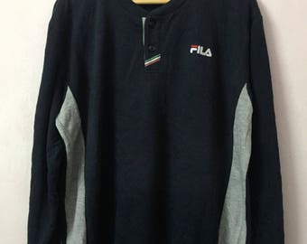 SALE ! Vintage 90s FILA small logo embroidery  size L